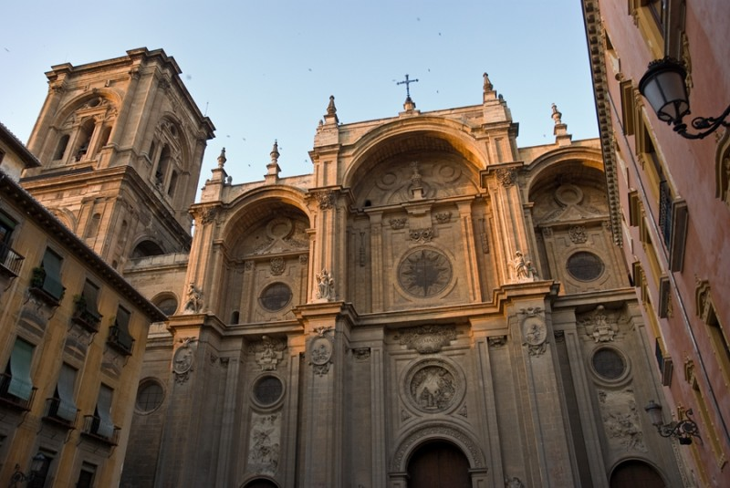 Granada_cathedral_-_south_portal baja
